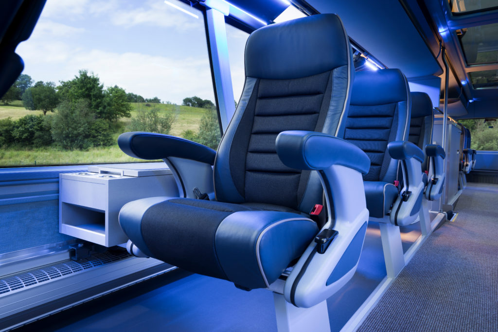 up-to-20-players-find-a-lot-of-space-and-relaxing-comfort-on-the-single-seats-in-the-upper-deck-of-the-neoplan-skyliner